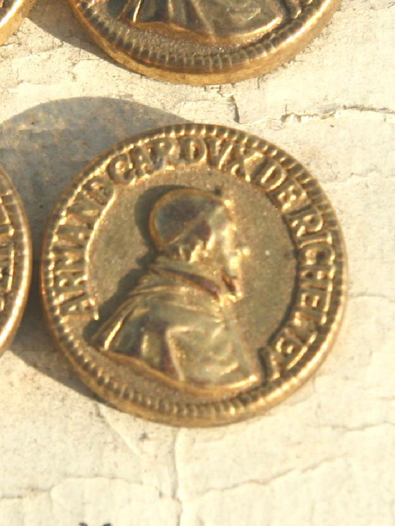 4 boutons anciens armand cardinal de rechelieu ebay - Frais notaire achat ancien ...