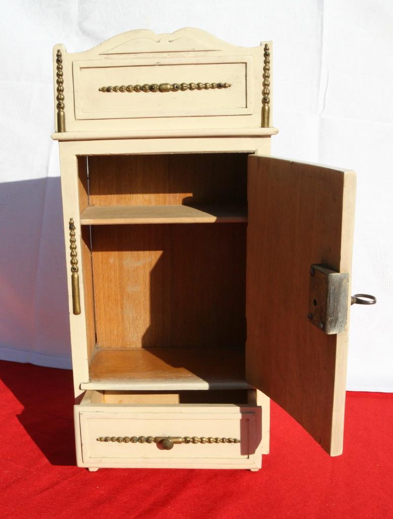 Chambre a coucher poup e lit et armoire en bois ancienne - Chambre a coucher ancienne ...